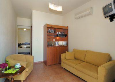 No4_c Enalion Hotel